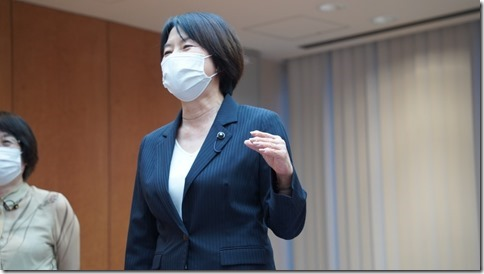 大山奈々子議員代表質問20210914.jpg